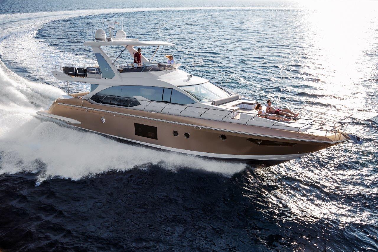 Azimut Yachts al Cannes Yachting Festival 2016 con una flotta di 17 imbarcazioni tra cui l'Azimut 66 Fly
