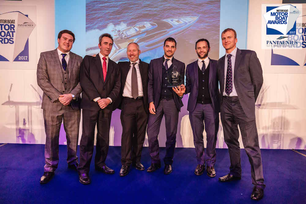 Riva 76 Perseo vince i Motorboat Awards 2017
