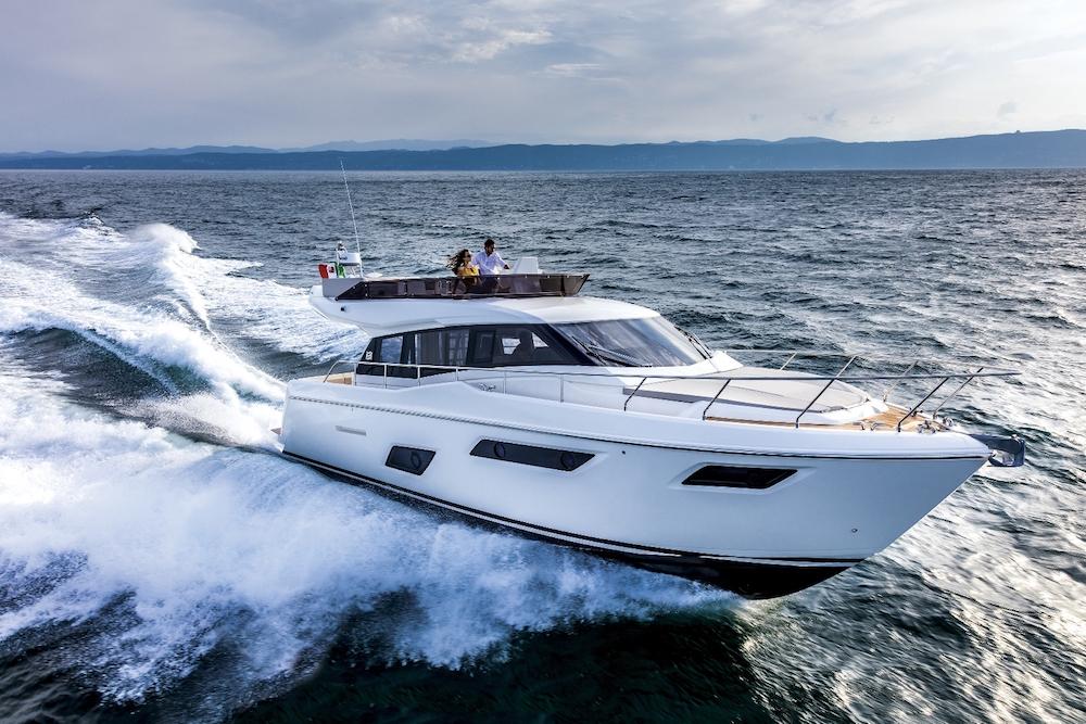 Il Ferretti Yachts 450 premiato in Cina e Slovenia