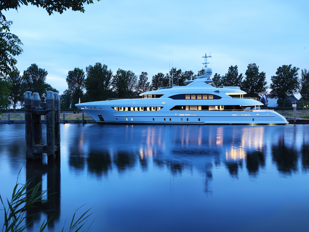 Heesen delivers Book Ends