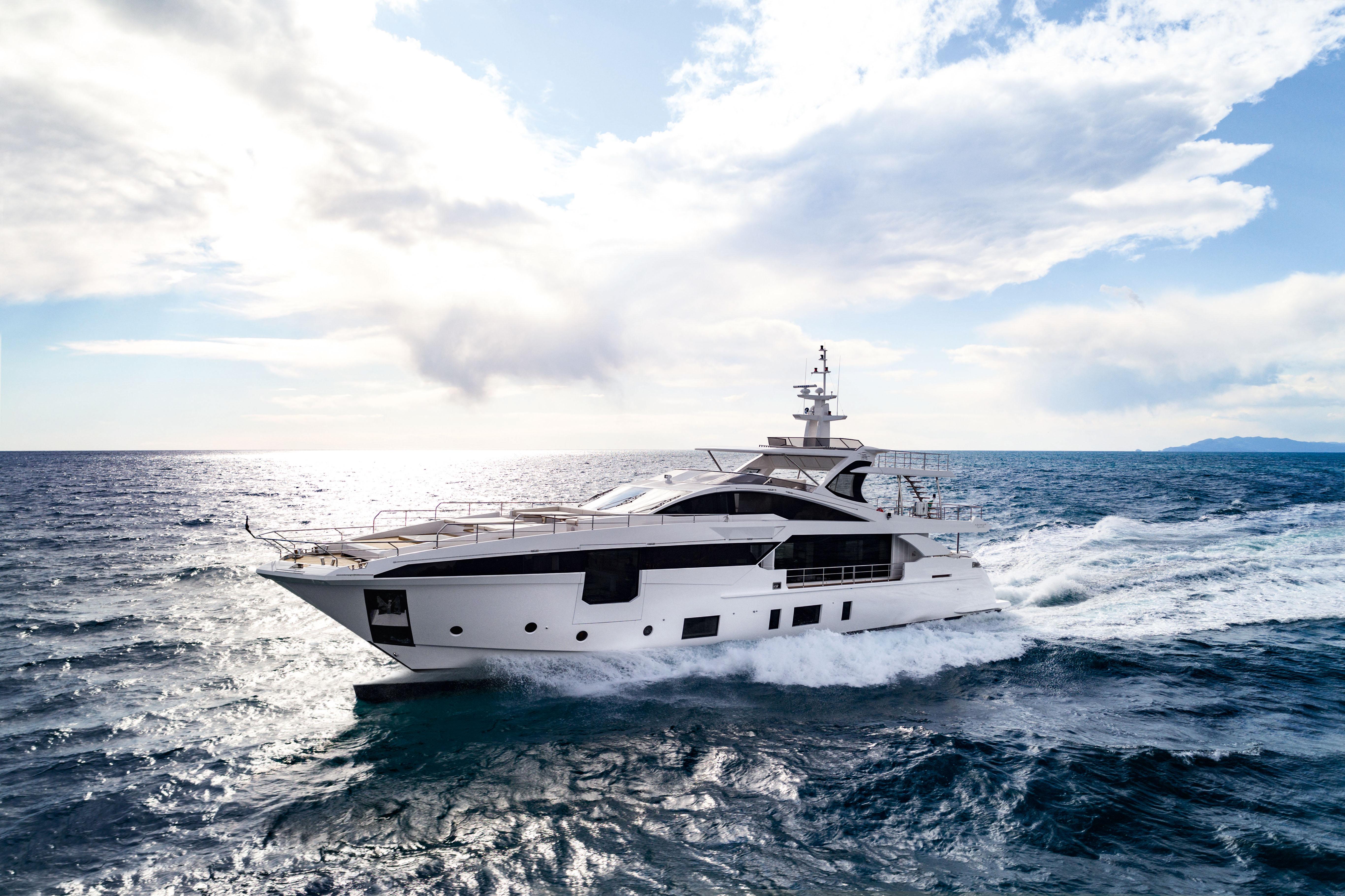 Tutte le anteprime mondiali di Azimut al Cannes Yachting Festival