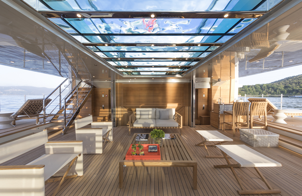 "Sanlorenzo 52Steel awarded ""best interior design"" at the World ..."