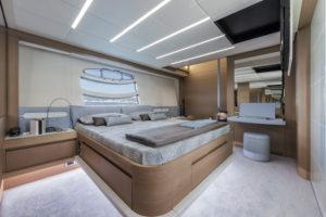 Pershing82 master cabin