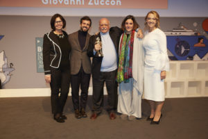 Gianni Zuccon (between Bernardo and Martina Zuccon)_Lifetime achievement awards_Credits Boat International Media (1)