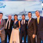 web res_Il team Azimut ritira il premio MBT e Yacht Style