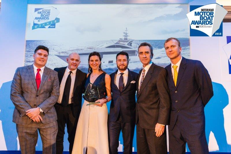 Two awards for the Azimut Grande 35 metri