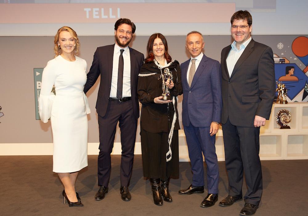 Telli, Custom Line navetta 33 triumphed at the Boat International Design & Innovation Awards