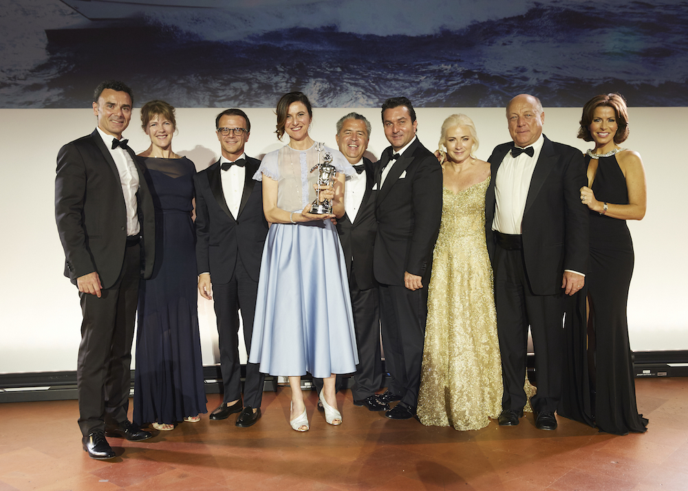 Azimut Grande 35 wins at World Superyacht Awards 2018
