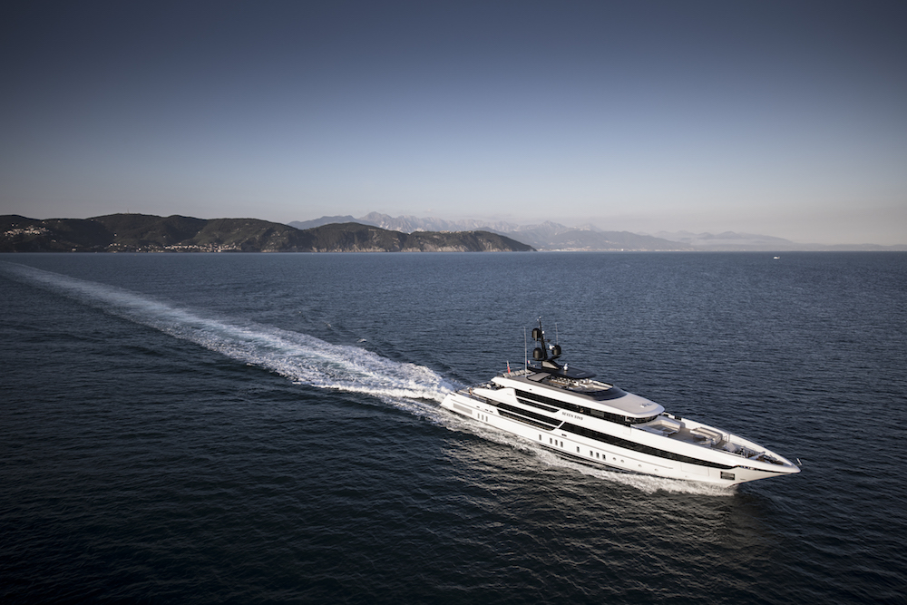 52steel Seven Sins wins at the Oscar of the yachting industry