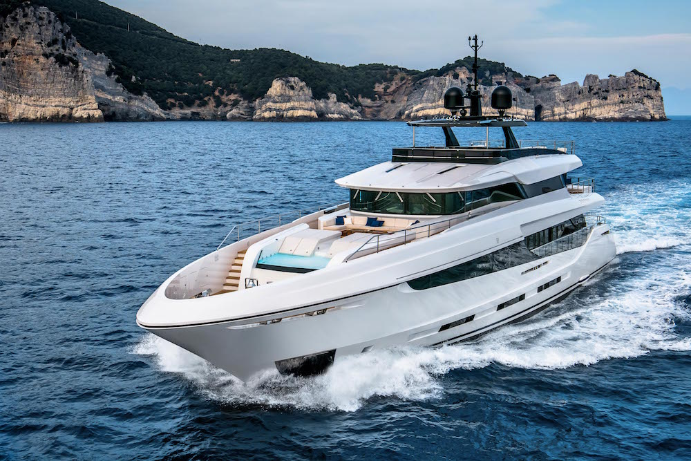 """The Mangusta Oceano is the """"Best of the Show"""" at Flibs"""