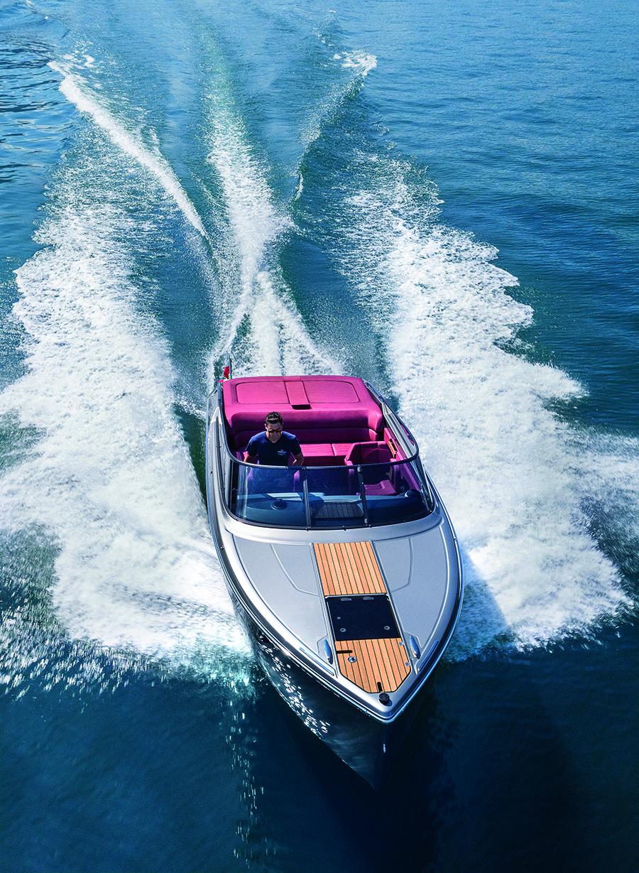 Cranchi E26 Classic, the superyacht tender according to Christian Grande