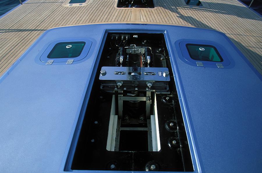 2000_Carrera lifting keel system_ph. Gilles Martin-Raget