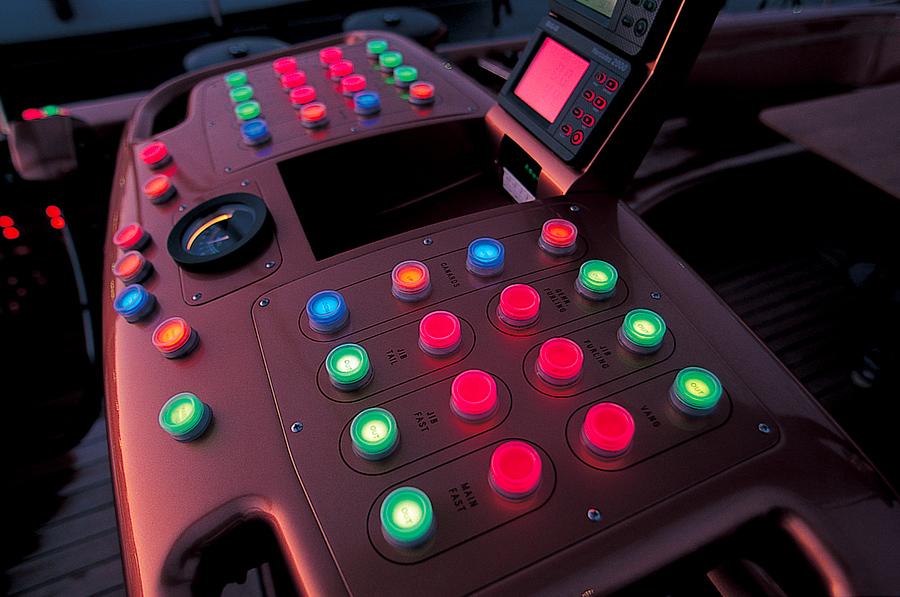 2001_push-button---Ph.-Gilles-Martin-Raget