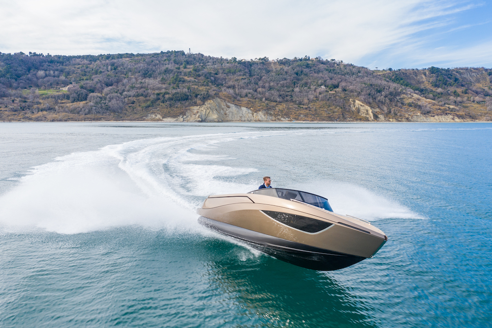 Nerea Yacht announces the sale of the Dark Bronze NY24 deluxe