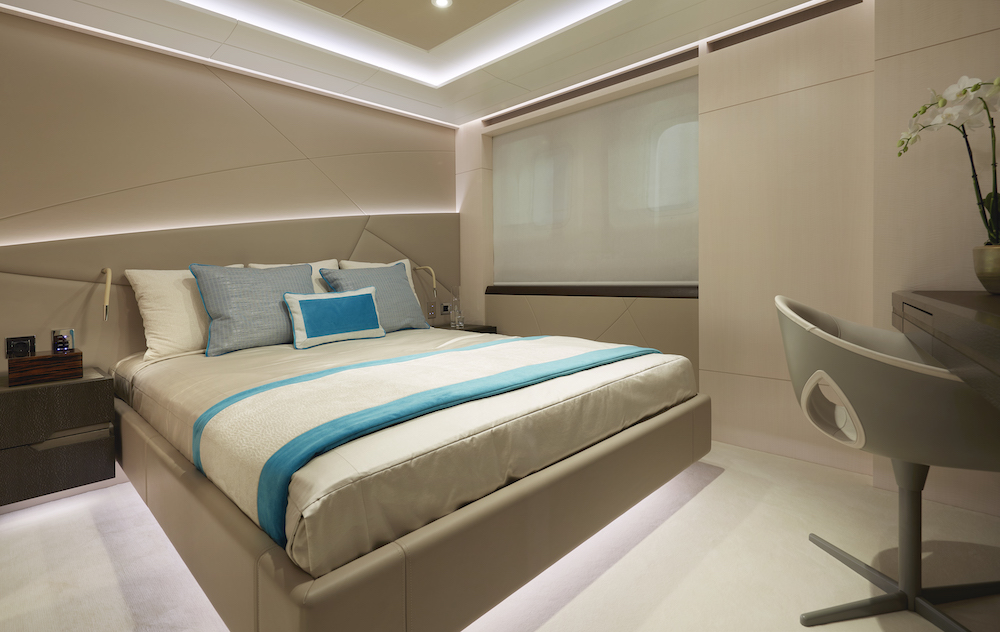 This image has an empty alt attribute; its file name is Guest-bedroom-02-l-copia.jpg